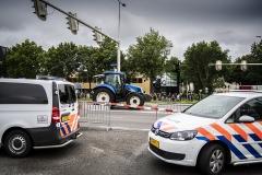 Boeren protesteren bij politiebureau in Assen